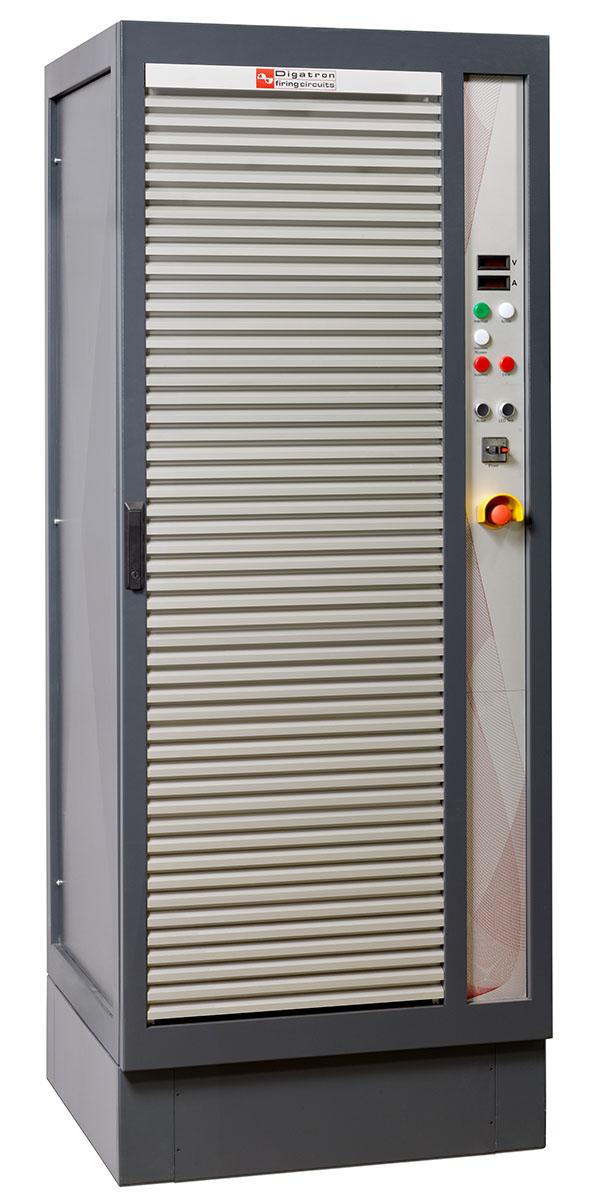 Digatron BNT-IGBT, modularer Bordnetz-Tester für Antriebsbatterien bis 150 Volt