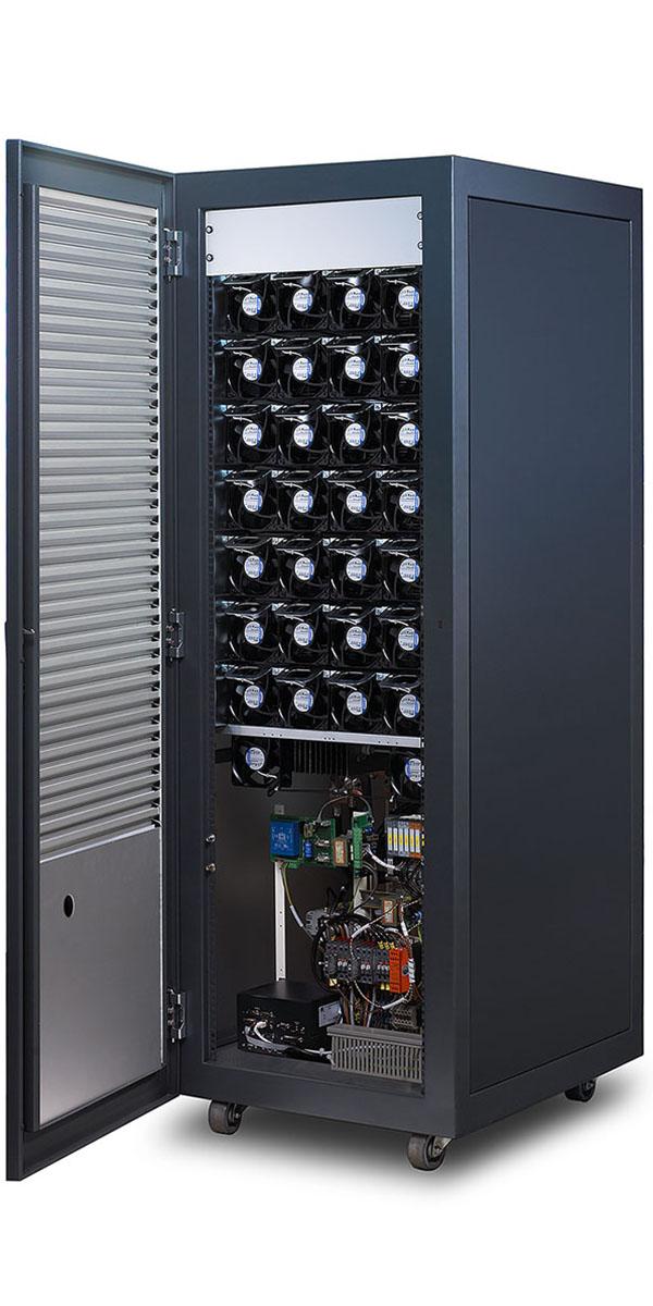 Digatron UBT-ME, klassisches Testgerät für Starterbatterien zwischen 50 und 150 Ampere, geöffneter Schrank