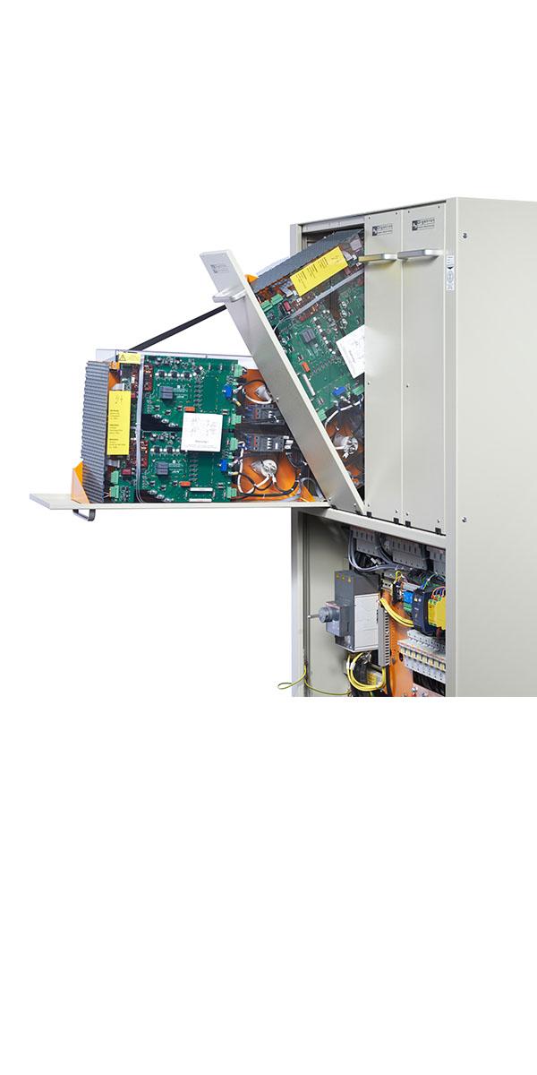 Energieeffizienter Batterieeinzelzellentester mit einzigartig hoher Packungsdichte.