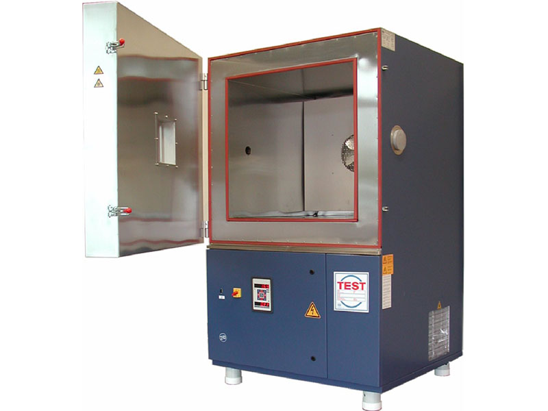 Climatic cabinet for controlling the temperature of the battery to be tested from -70°C to 180°C